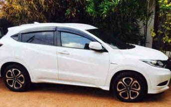 Honda Vezel Car rental in Colombo